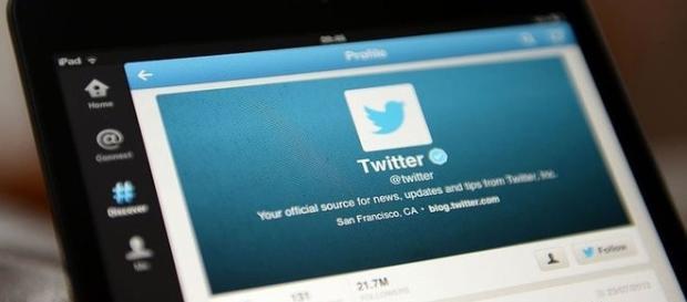 Le réseau social interdit le repêchage de mails