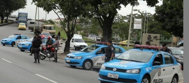 policia procura ladrões foto:Extra.com