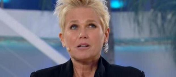 Programa da Xuxa continua com falhas na Record