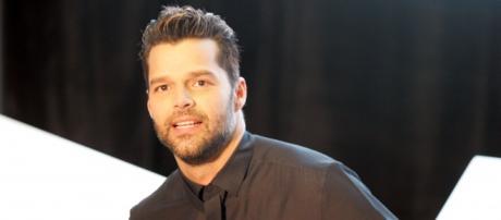 O cantor critica Trump por expulsar um jornalista