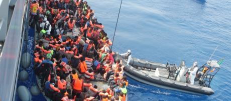 Refugiados que llegan a través del Mediterráneo
