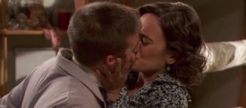 Il Segreto: Hipolito e Garcia si baciano