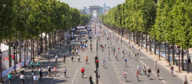 Champs-Élysées sem carros. Foto: Paris City Hall.