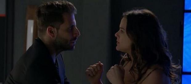 Gabo tenta abusar de Mari na novela das sete