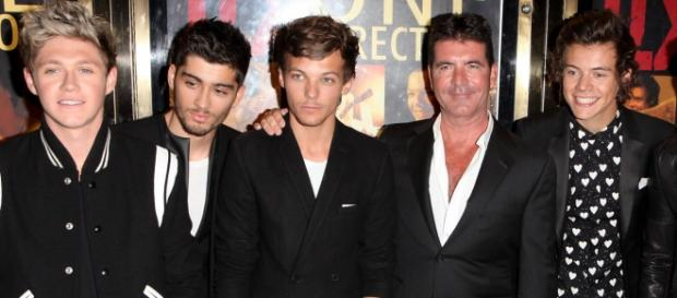 Simon Cowell é o empresário dos One Direction.