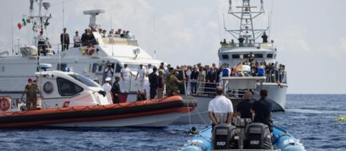 Continuano gli sbarchi in Sicilia e in Calabria.