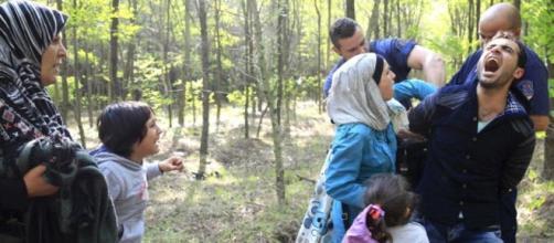 Família síria detida na Hungria