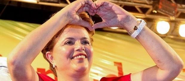 Dilma diz que crise será superada com amor