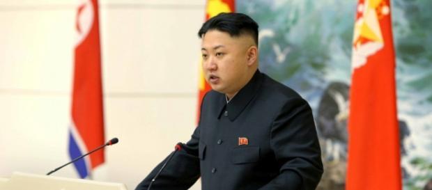 Ditador da Coréia do Norte discursando