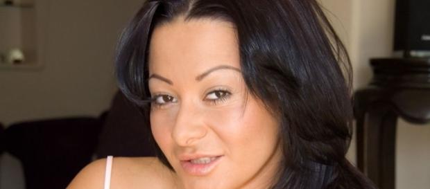 Sandra Romain de la florăreasă la filme deochiate