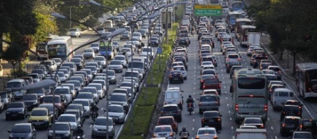 Av. 23 de Maio em São Paulo as 10:00 da manhã.