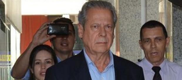 Polícia Federal prende José Dirceu em Brasília.