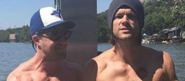 Stephen Amell e Jared Padalecki são grandes amigos