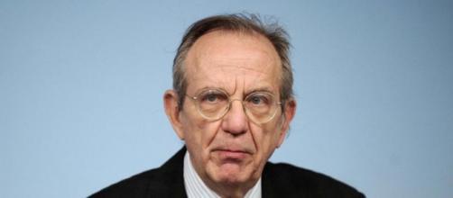 Pier Carlo Padoan, ministro dell'Economia