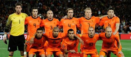 A Holanda distancia-se do Euro 2016