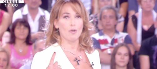 Barbara D'Urso cade in diretta tv
