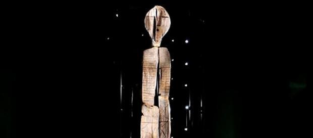 Immagine della scultura di legno