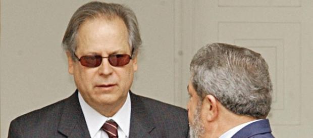 Petista não abriu a boca na CPI da Petrobras.