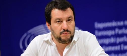Immigrazione, Salvini contro il governo Renzi.