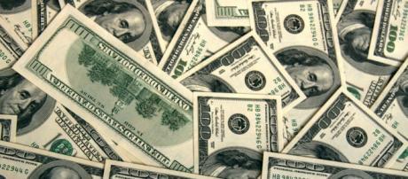 Dólares en el centro de las elecciones.