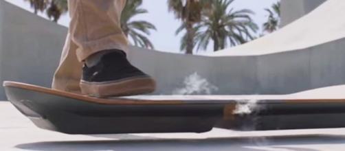 Si chiama Slide ed è il nuovo hoverboard di Lexus