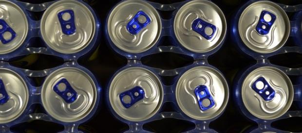 Abusa di energy drink: diventa cieca