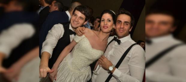 """Los novios en una """"Falsa boda""""."""