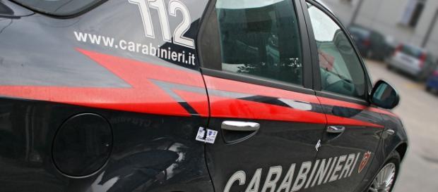 Una volante dei carabinieri in sosta