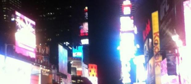 Veduta notturna di Times Square, New York