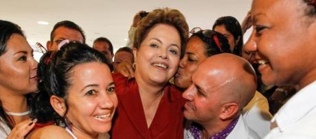 Dilma é saudada por médicos cubanos Mais Médicos
