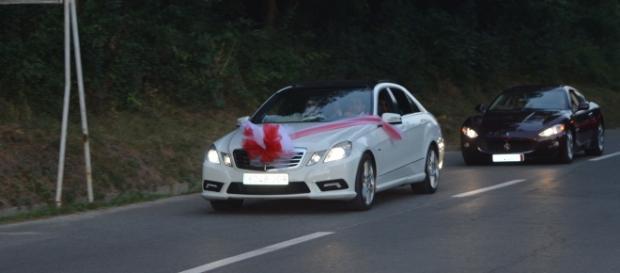 Alai de nuntă cu mașini de lux