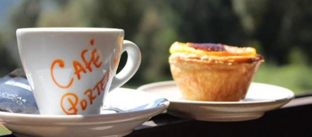 Imagem na esplanada do Café Portela.