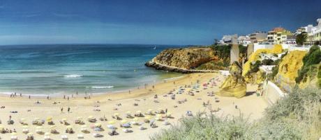 Muitos portugueses preferem marcar férias pela web