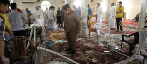 Saudi police double check the debris