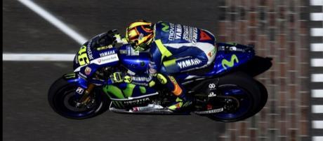 Rossi con su Yamaha en la clasificación de Indy