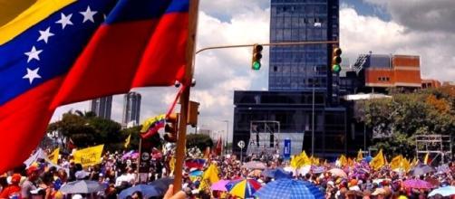 Venezuela se enfrenta a disturbios y protestas.
