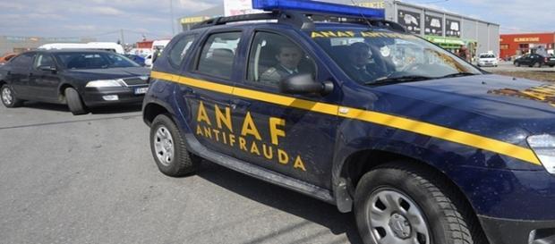 Mai mulți români suspectați de fisc