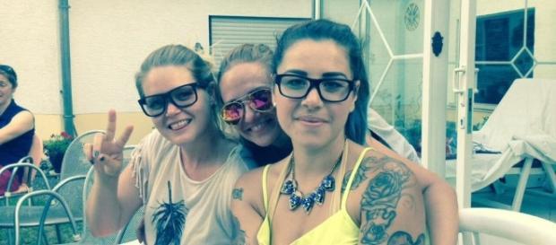 Ex-Newtopianerinnen: (v.l.) Vicci, Anne und Kate