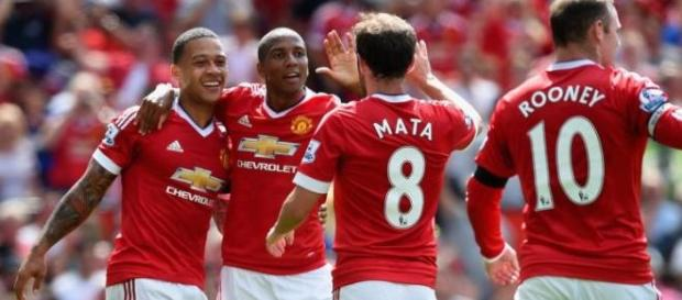 Manchester United with the first win.