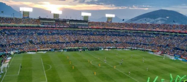 Tigres vs Chivas, Estadio Universitario