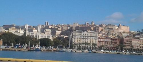 Cagliari, sullo sfondo il palazzo comunale