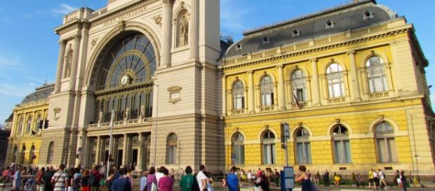 Estação de Keleti é fechada pela polícia húngara