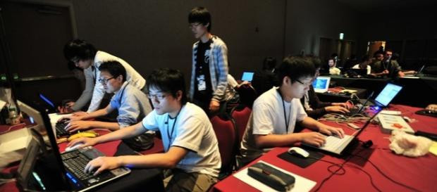 Un concurs al hackerilor la DEFCON în Las Vegas