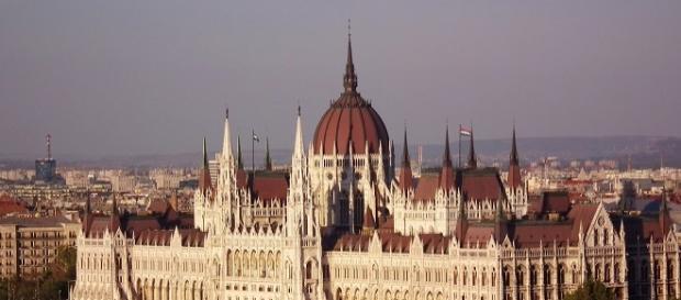 Hungría, es un miembro de la (UE) Unión Europea