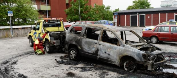 Patru masini românești au fost arse în Roma