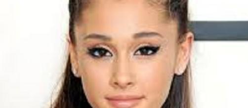 Ariana Grande, cantante y artista.