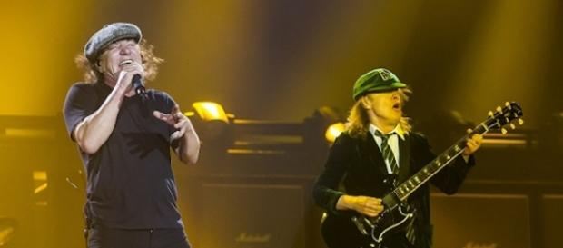 AC/DC show Rock or Bust Tour 2015