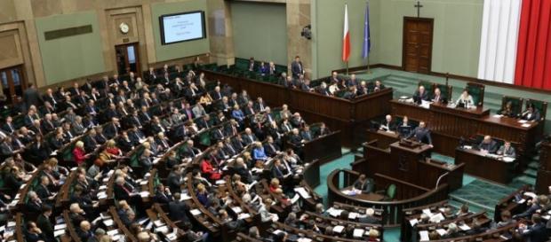 Burzliwe piątkowe posiedzenie Sejmu