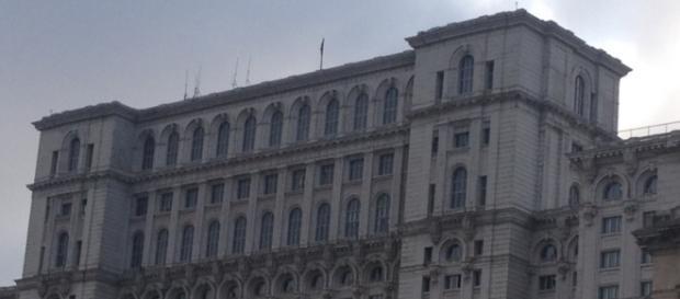 Funcţionarii speciali de la Palatul Parlamentului