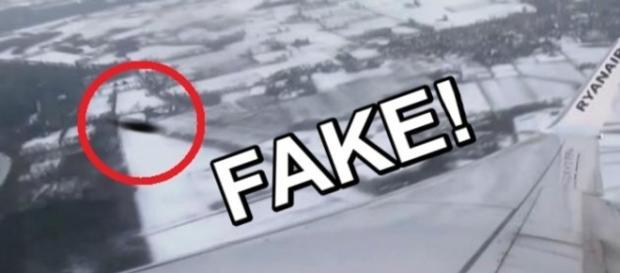 Il presunto UFO inquadrato dall'aereo Ryanair
